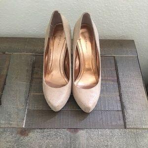 High heels caramel